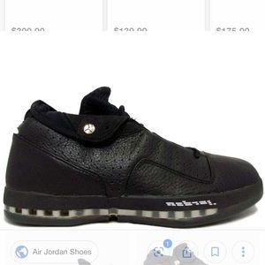 Air Jordan Low XVI
